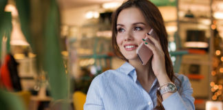 Smartphone-use-girl-techcult